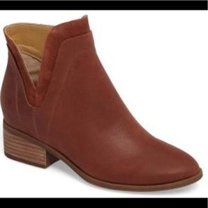Lucky Brand Lelah Brown Ankle Booties Boots sz 5